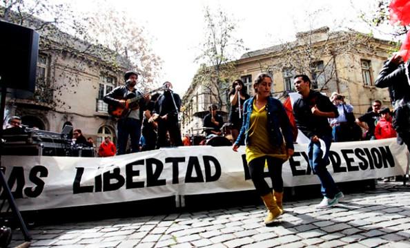Convocatoria: Transformaciones de la esfera pública en Chile: pluralismo informativo, opinión pública y luchassociales